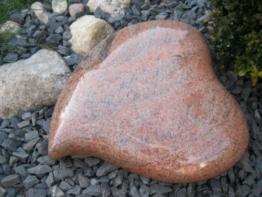 Granitherz Grabstein Liegestein Urnengrabstein Herz aus Granit 37cm x 37cm x 12cm -