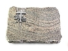 Grabplatte mit Kreuz, Natursteinart: Juparana, ca. 40x30x5 cm