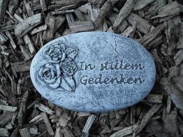 """Grabschmuck Grabplatte """"In stillem Gedenken""""  Frostfest Steinguss Grab Deko"""