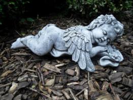 Steinfigur Engel liegend mit Flügel  Frostfest Steinguss Grabschmuck Garten Deko