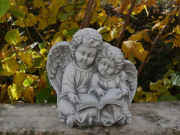 Massive Steinfigur großes Engelpaar Raumdeko Grabdeko aus Steinguss frostfest