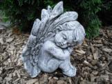 Steinfigur hockender Engel  Frostfest Wetterfest Steinguss Garten Grab Deko