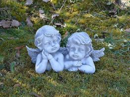 Wunderschönes massives Engelpaar Engel Grabdeko Raumdeko aus Steinguss frostfest