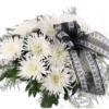 10 weiße Deko-Federchrsysanthemen mit Schleife / Trauerflor