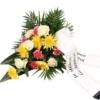 Trauerstrauß in Gelb-Weiß-Rosa mit Rosen, Nelken und Chrysanthemen mit Schleife