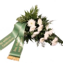 Angebot der Woche-Trauerstrauß mit weißen Chrysanthemen mit Trauerschleife