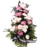 Grabstrauß mit Chrysanthemen und Nelken und Trauer-Schleife