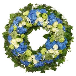 Blauer Trauerkranz (mit Hortensie, Rosen)