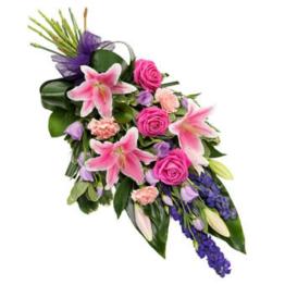 Farbenfroher Trauerstrauß (mit Lilie, Rosen)