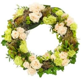 Grün-Weißer Trauerkranz (mit Rosen)